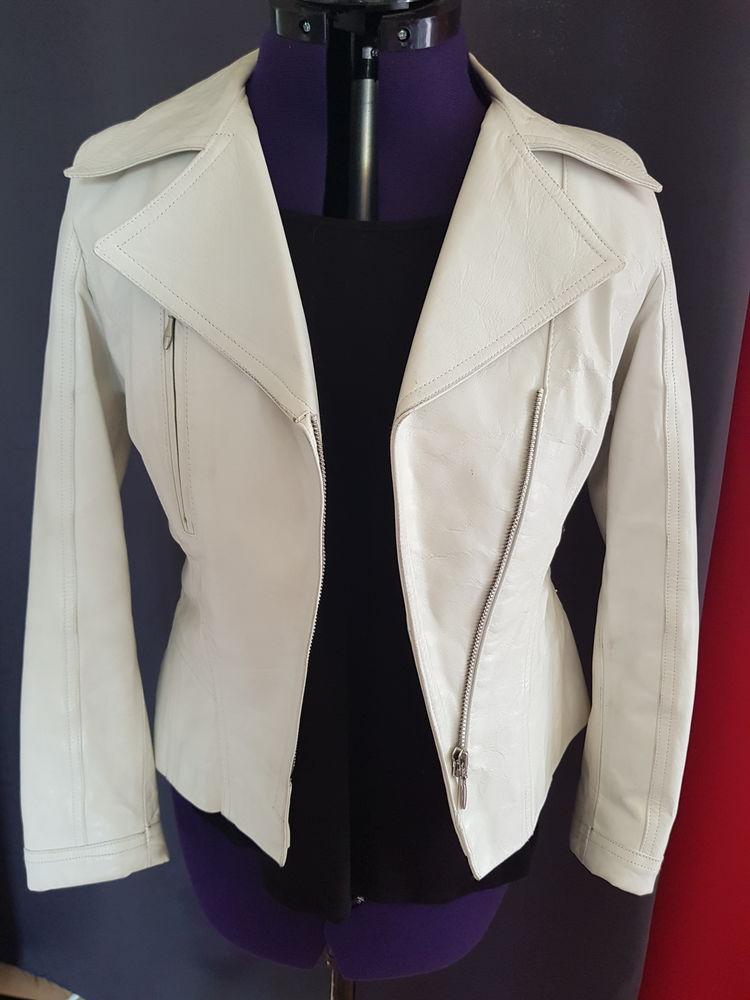 Blouson femme en cuir blanc.  100 Sèvres (92)