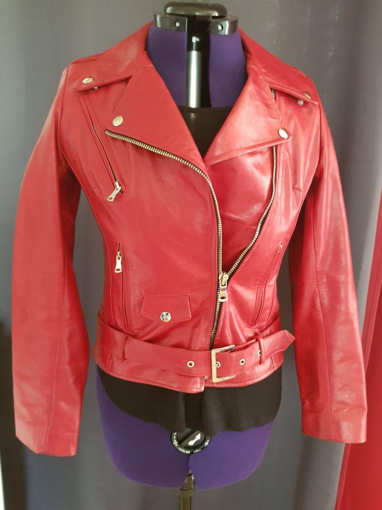 Blouson femme rouge en cuir de marque Giovanni 150 € 150 Sèvres (92)
