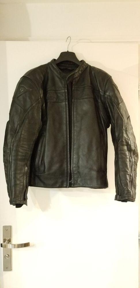 Blouson homme cuir noir Dainese taille 48 avec dorsale 190 Six-Fours-les-Plages (83)
