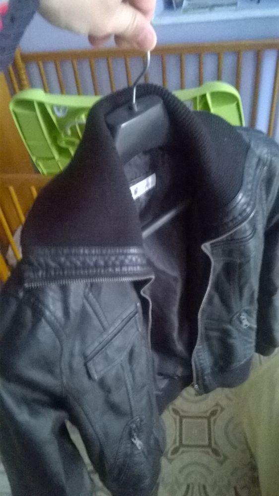 Blouson imitation cuir noir 35 Écouen (95)