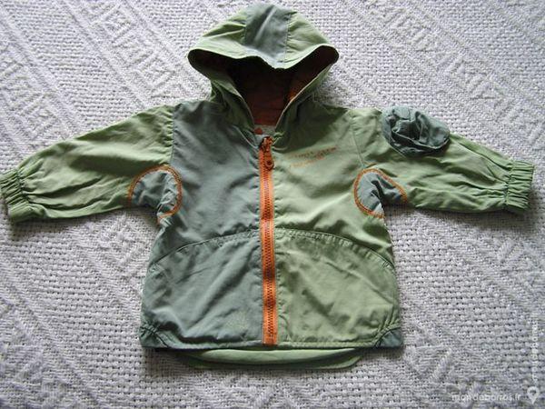 BLOUSON zippé à capuche, taille 6 mois 7 Brouckerque (59)