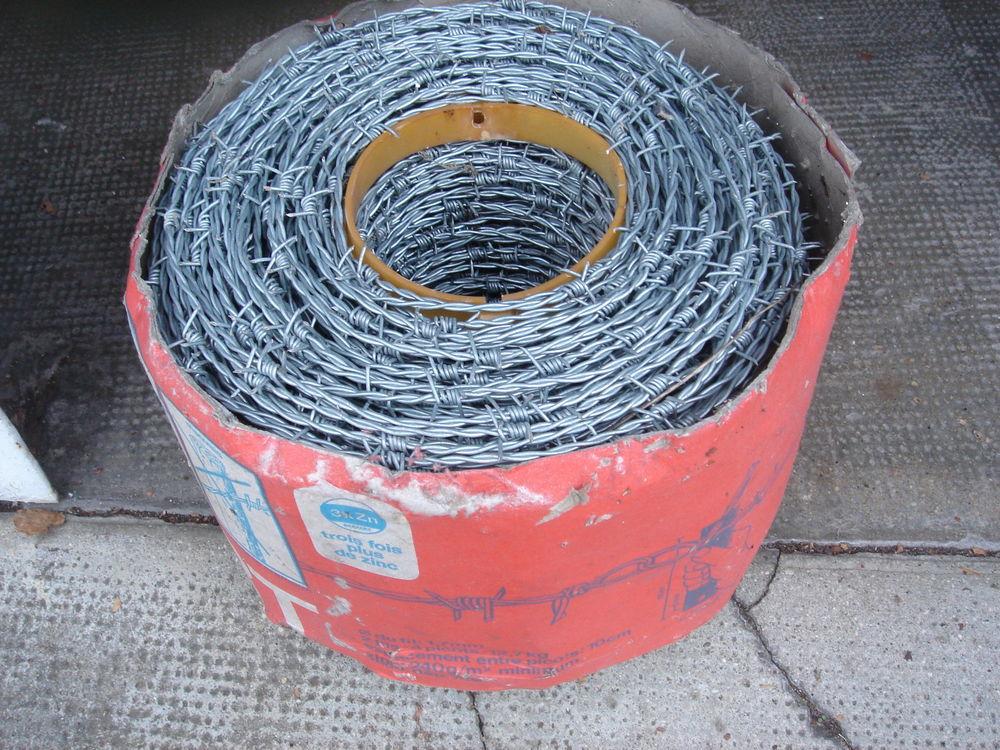 Bobines de fil de fer barbelé galvanisé (250 m) 60 Angoulême (16)