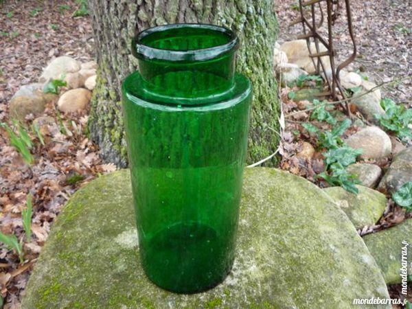 Bocal vert verre soufflé 25 Castres (81)