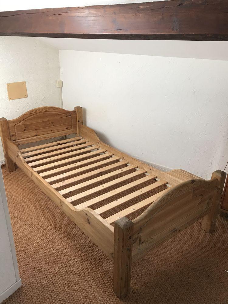 lit en bois massif 1 place 90x190 avec matelas 50 Saint-Gilles (30)