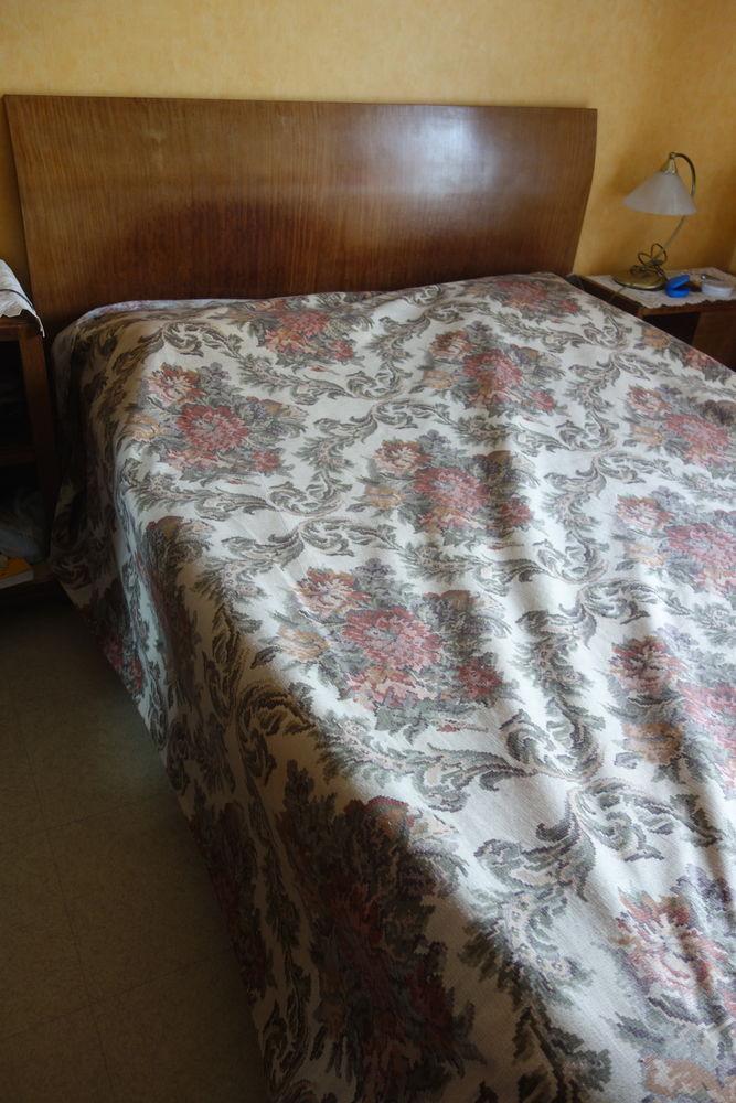 BOIS DE LIT 2 PLACES +TABLE DE NUIT+ 2 FAUTEUILS 130 Pont-Audemer (27)