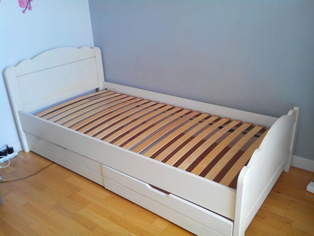 lit en bois pour fille 250 Crevin (35)