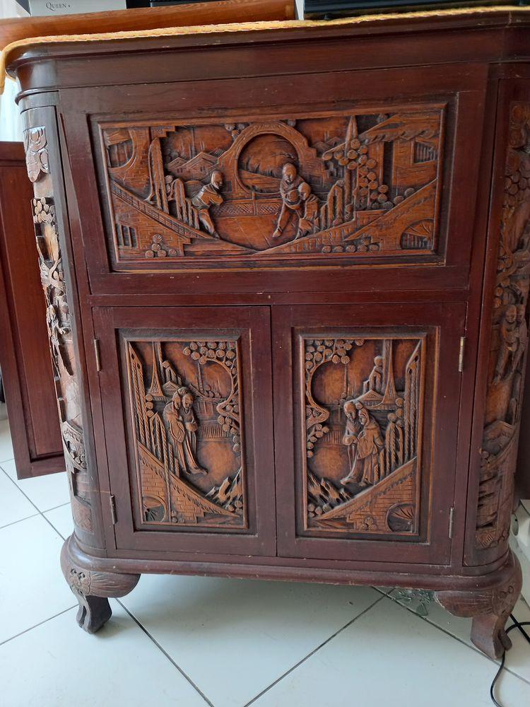 bar bois sculpte motif guerrier 200 Carcassonne (11)