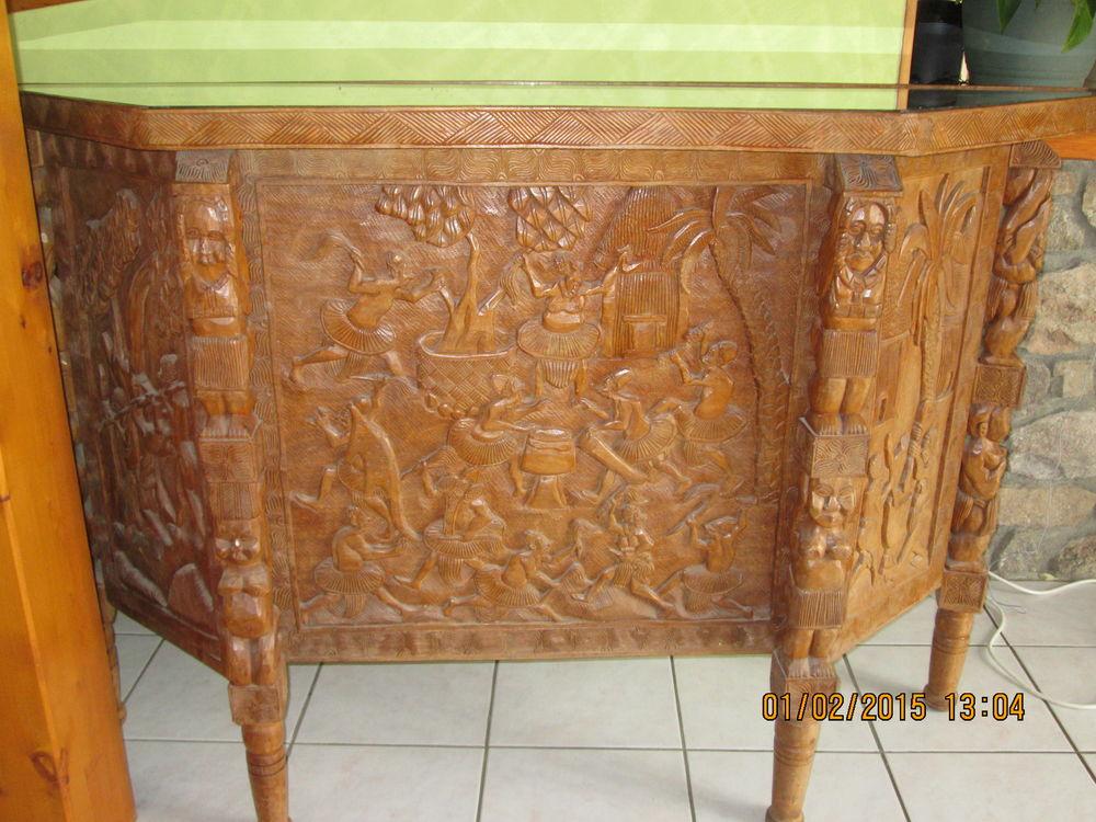 bar en bois sculpté  100 Saint-Genis-l'Argentière (69)