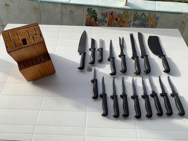 Boite de Couteaux a dents toutes tailles Occasion Cuisine