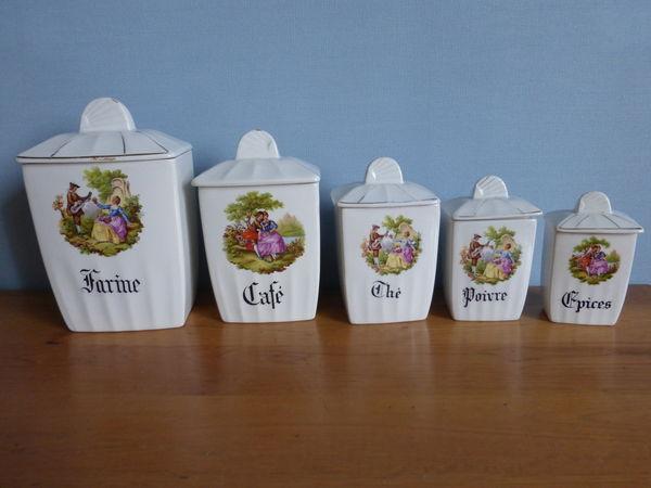 BOITE A EPICES semi-porcelaine Décoration