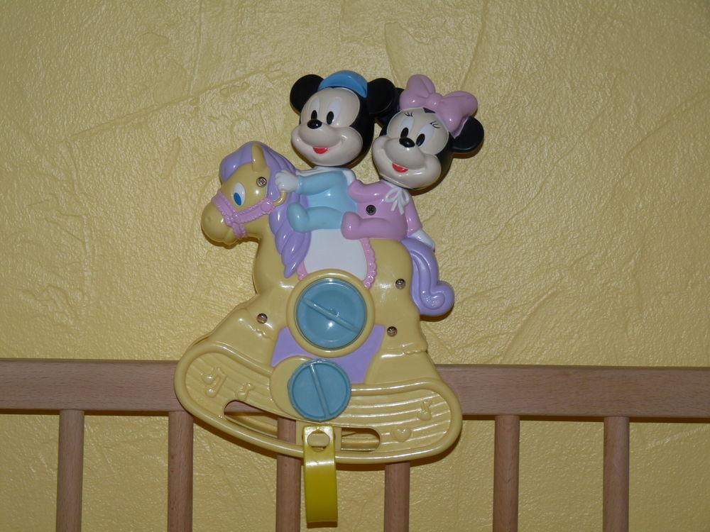 Boîte musicale à bascule Mickey Minnie  5 Saint-Nazaire (44)