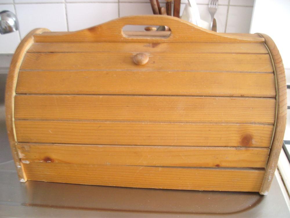 boîte à pain 0 Champigny-sur-Marne (94)