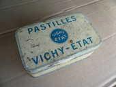 Boite Pastilles Vichy Etat 6 Boisset-et-Gaujac (30)