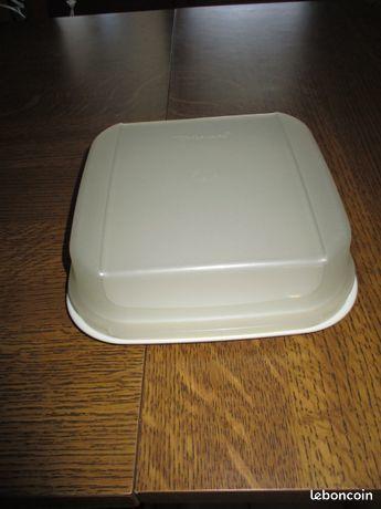 Boite tupperware 18 cm x 18 cm x 6 cm 0 Mérignies (59)