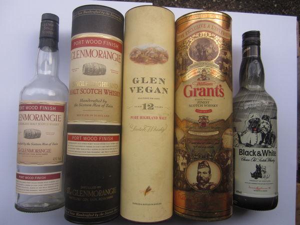 Boîtes, Tubes et bouteilles de whisky 10 Sassenage (38)