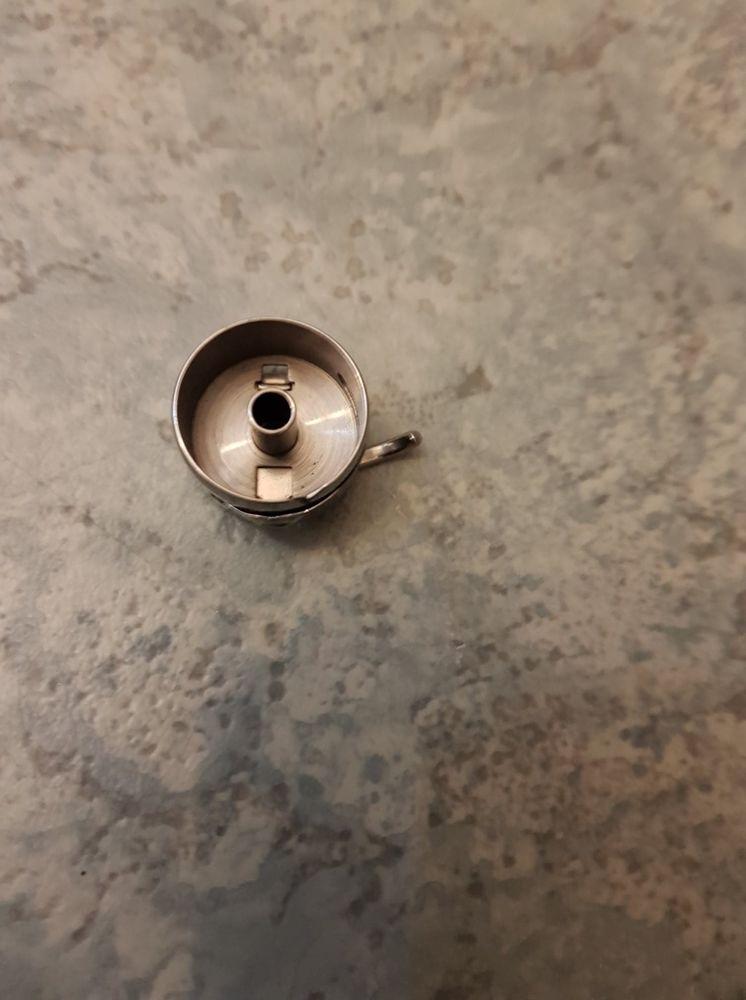 Boitier canette machine à coudre 5 Douai (59)