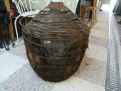 Bonbonne très ancienne de 50 litres dans panier métallique 49 Ch�teauroux (36)