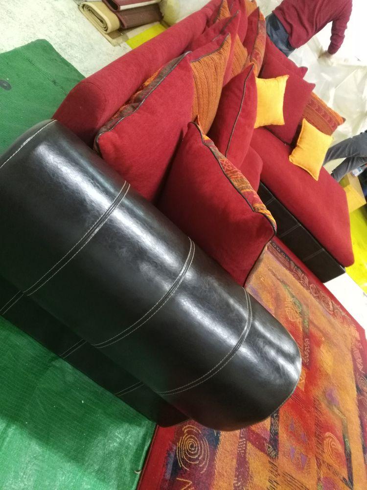 Bonjour . canapé d'angle , plus 4 chaises plus tapis 0 Les Ulis (91)