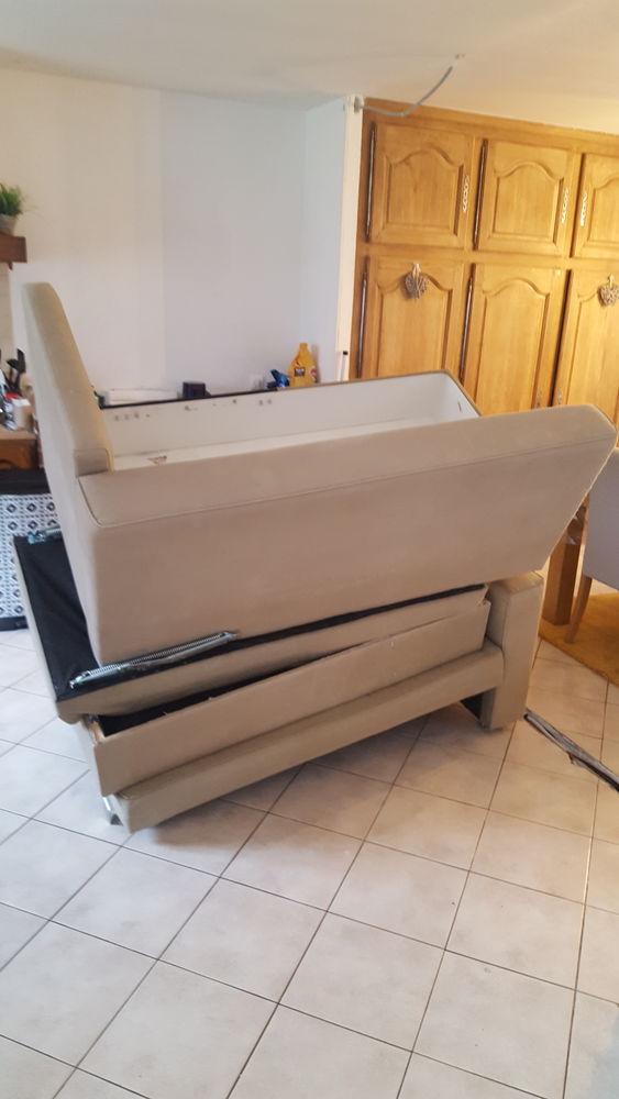 Bonjour,  je donne un canapé convertible IKEA FRIHETEN . 0 Orveau (91)