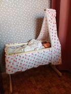 Bonjour, un lit de poupée en bois et en bon état. 10 Bruay-sur-l'Escaut (59)