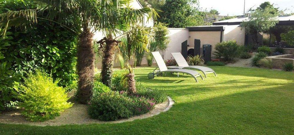 bonjour je mes services pour jardinage au alentour de lille veuillez me contacter au 0601868222 0 Lille (59)