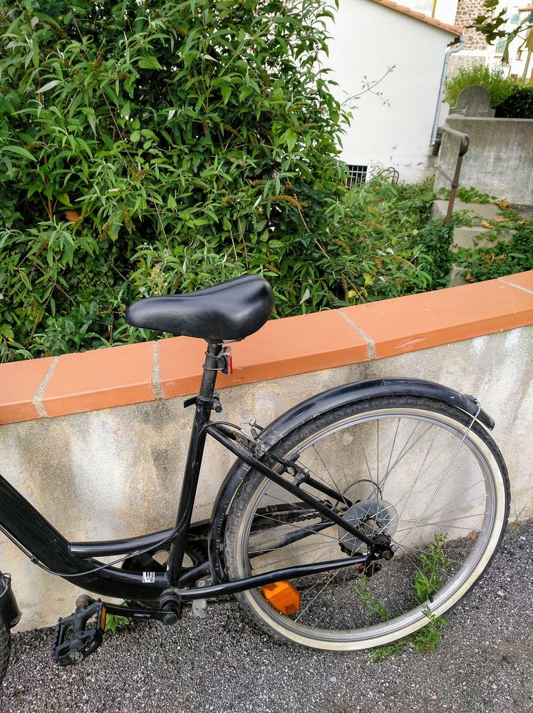 Bonne affaire : vélo de ville et de loisirs pour Dames,. 145 Saint-Laurent-de-Cerdans (66)