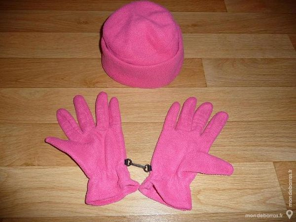 Bonnet + gants en polaire rose fuschia 6 Montigny-le-Bretonneux (78)