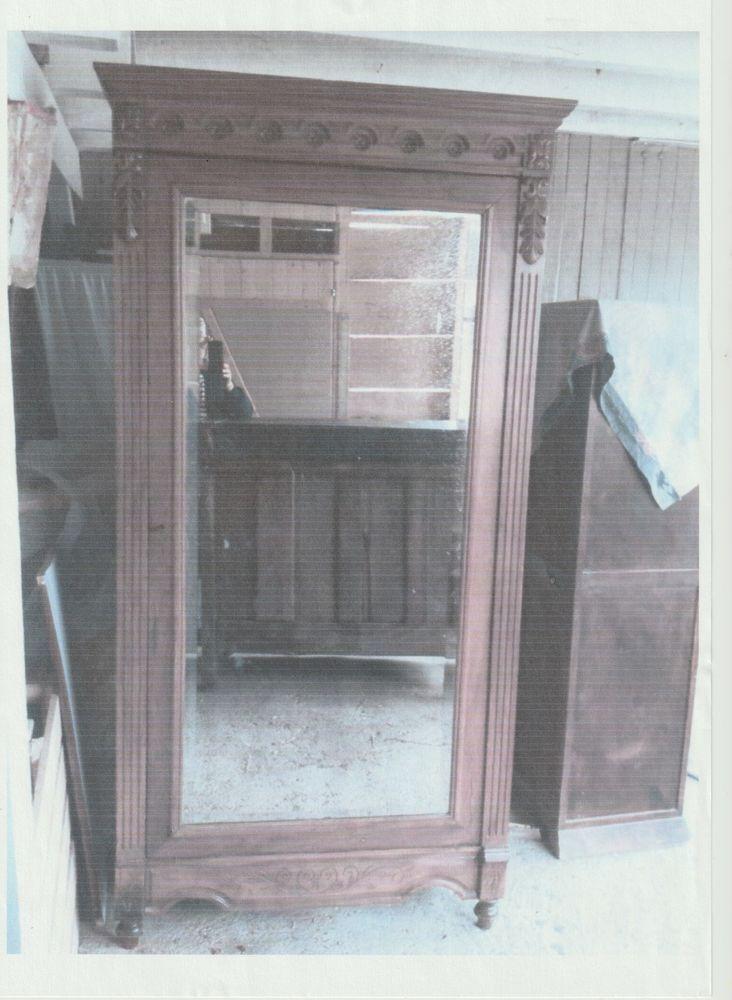 BONNETIERE ANCIENNE EN CHENE AVEC MIROIR; 400 Estillac (47)