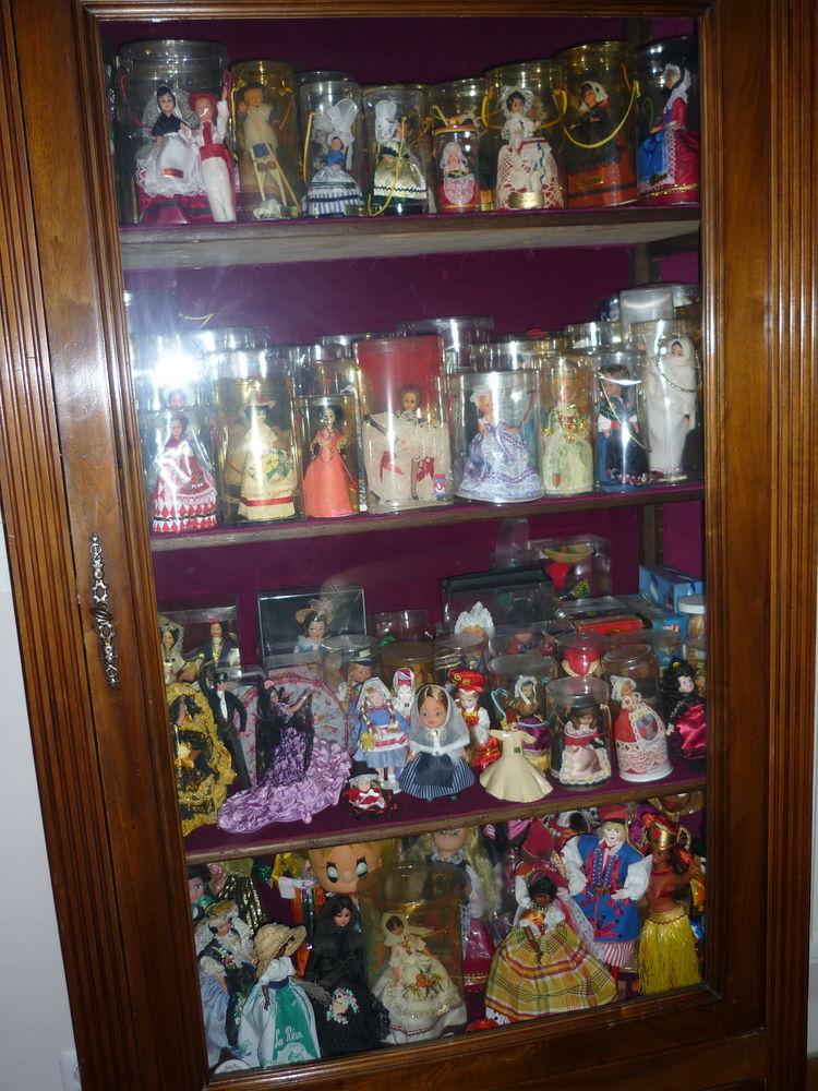 bonnetière et collection poupées folkloriques 0 Mâcon (71)