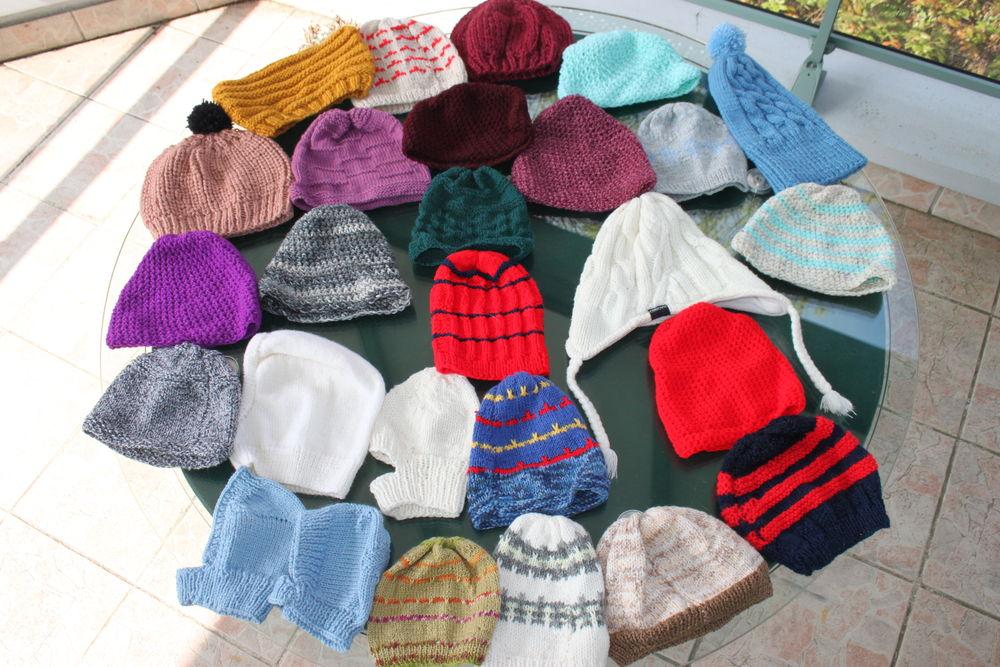 Bonnets en laine et cagoules 1 euro pièce 1 Montigny-Lencoup (77)