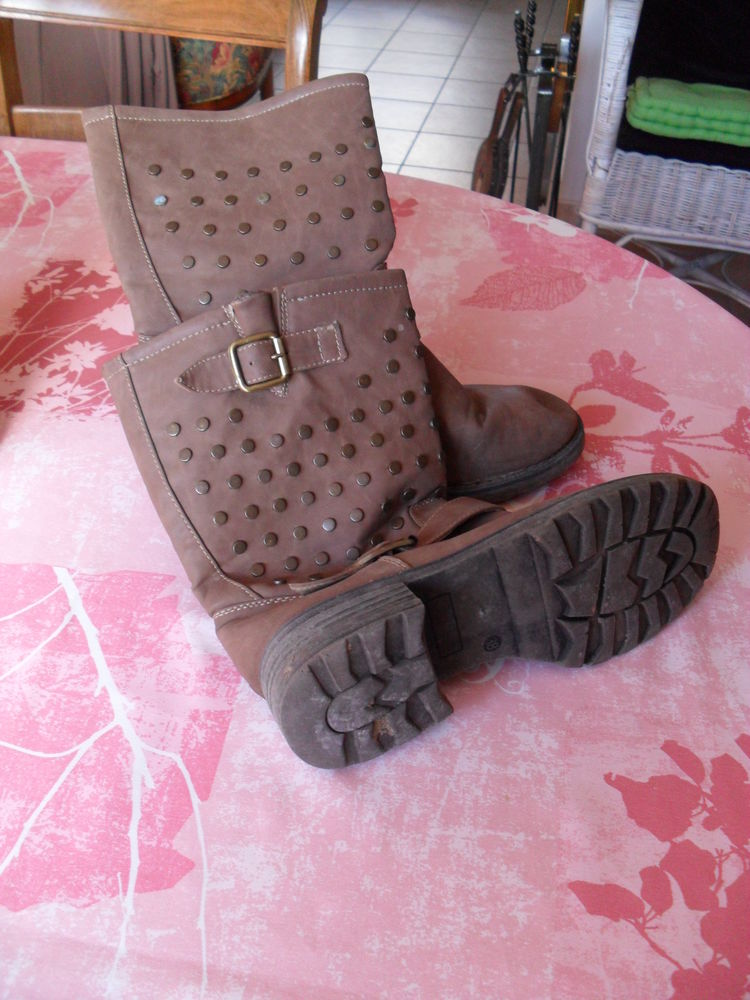 BOOTS FEMME P 38 Chaussures
