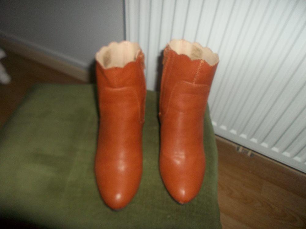 boots femme 25 Saint-Agnan (71)