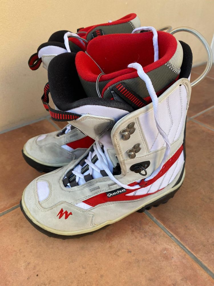 Boots snowboard Quechua taille 40 Sports