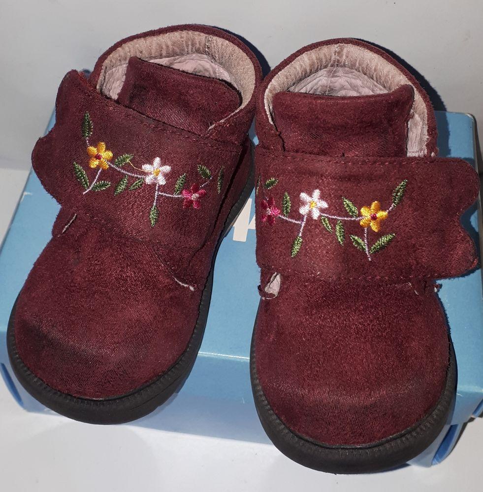 Botillons ou Chaussures Fille en pointure 19 17 Nantes (44)