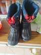 12€ botte taille 28 de couleur bleu et noir Chaussures enfants