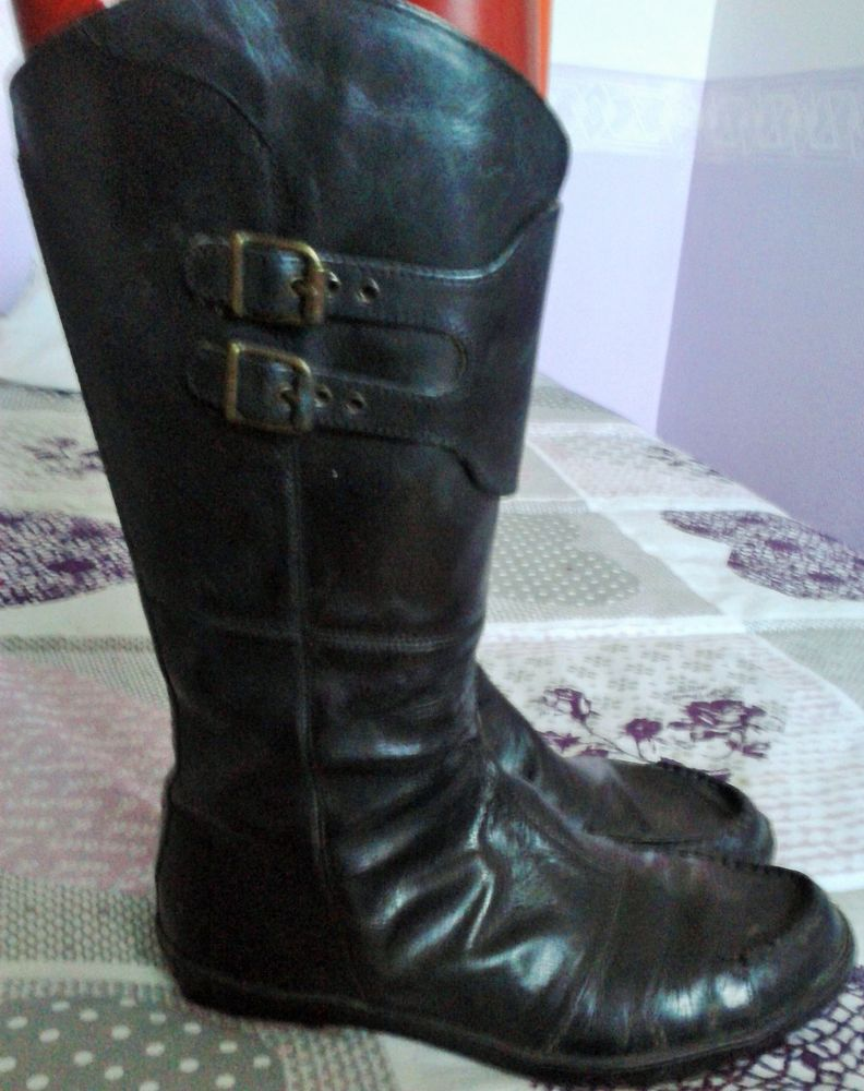 Bottes cuirs Chaussures