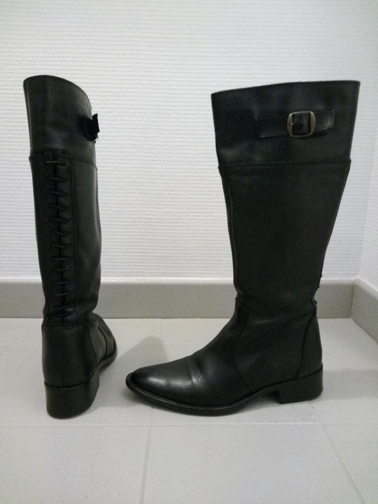 Bottes hautes en cuir noir 50 Sevran (93)