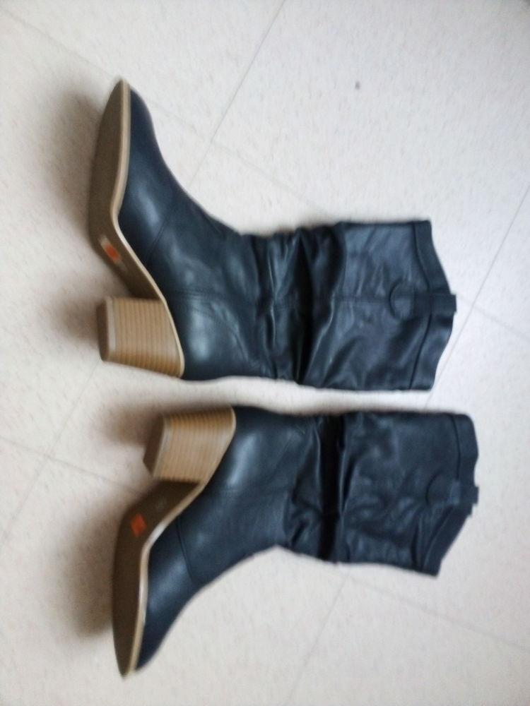 bottes neuves  15 Deuil-la-Barre (95)
