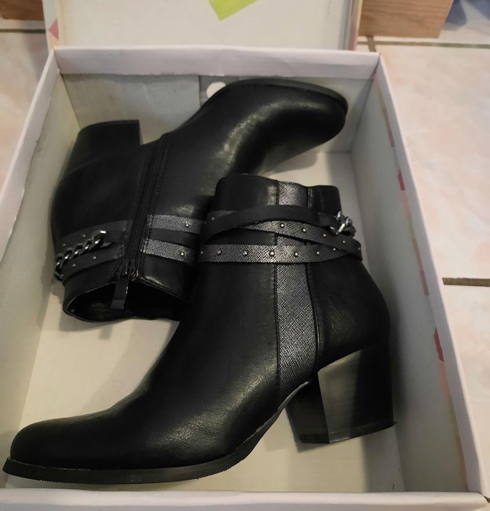Bottines bottes Mode noire bel effet cuir noir Neuf - P 36 20 Domart-en-Ponthieu (80)