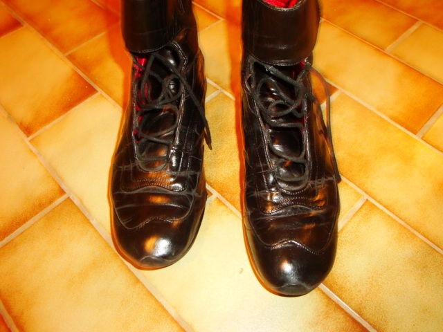 Bottines en cuir noir à lacets marque  boutique ELLE 10 Nimes (30)