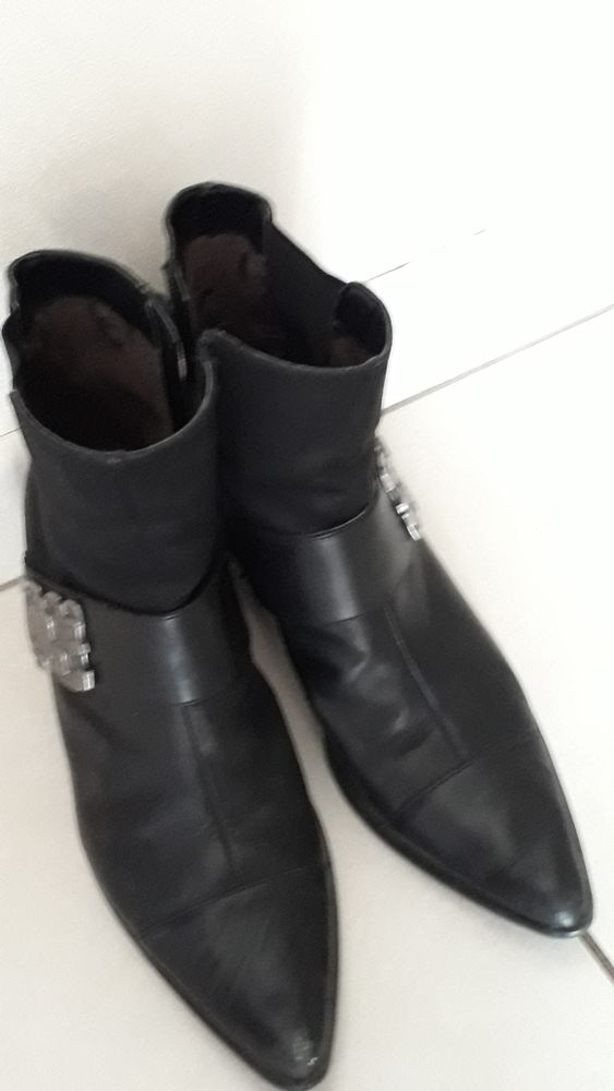 bottines noires 19 Peillac (56)