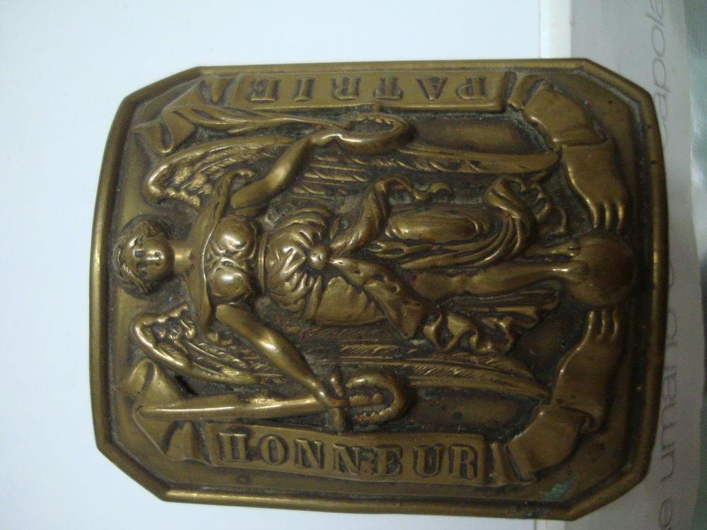 Boucle de ceinturon, objet ancien militaire ,militaria . 35 Is-sur-Tille (21)