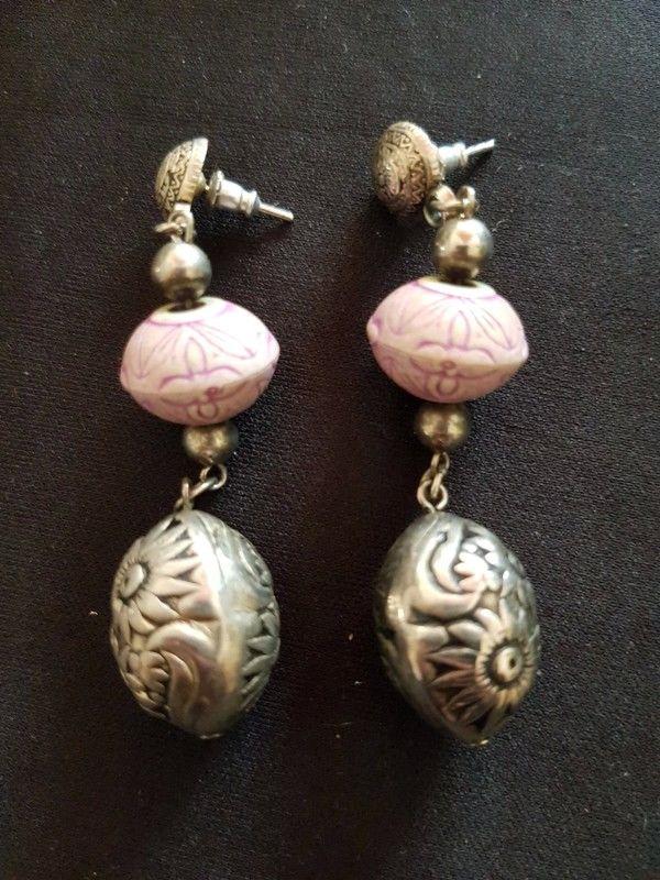 Boucle d oreille perle lilas et argenté neuf 6 cm 2 e 2 Viriat (01)