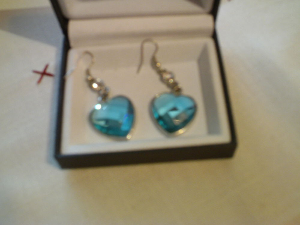 Boucles d'oreilles bleues losange fantaisie N°526 10 Bragny-sur-Saône (71)