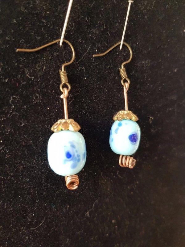 Boucles d'oreilles pendantes bleues décoration fleurs très b 2 Viriat (01)