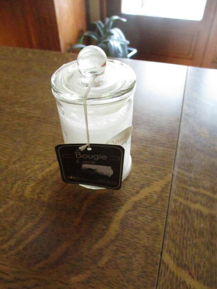 bougeoir et couvercle parfum vanille servi une seule fois 0 Mérignies (59)