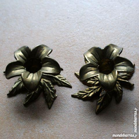 Bougeoirs forme fleur et feuilles en laiton 10 Cabestany (66)