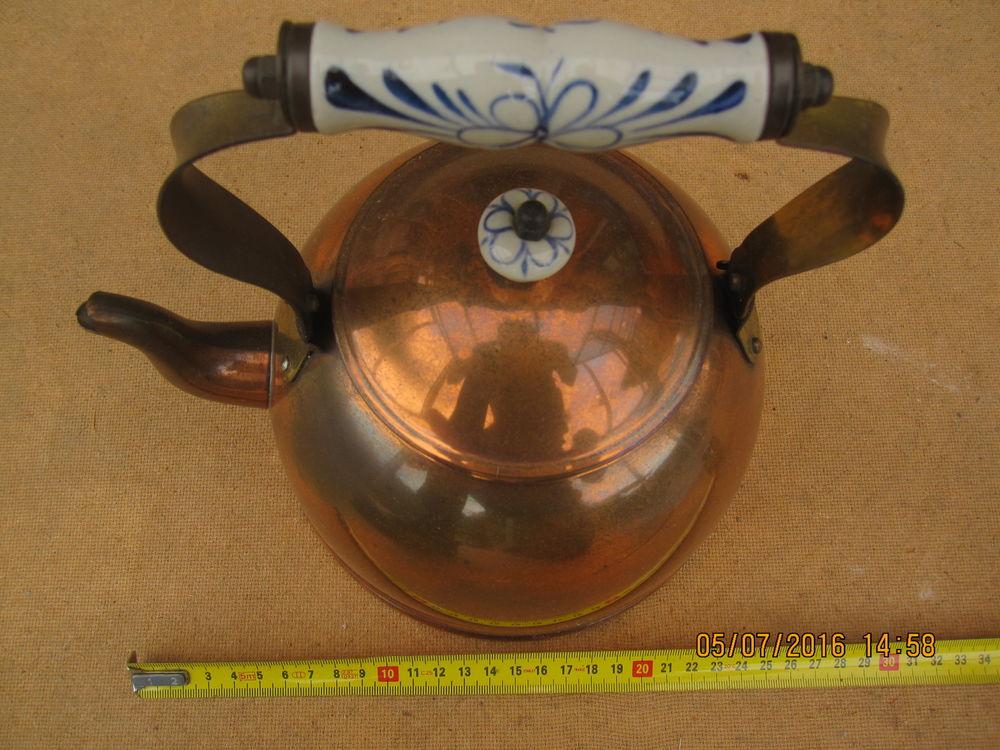 Bouilloire cuivre manche en bois ou porcelaine 25 Comines (59)