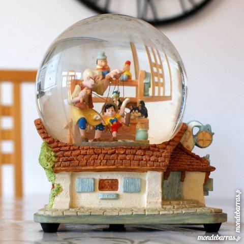 boules de neige occasion annonces achat et vente de boules de neige paruvendu mondebarras. Black Bedroom Furniture Sets. Home Design Ideas