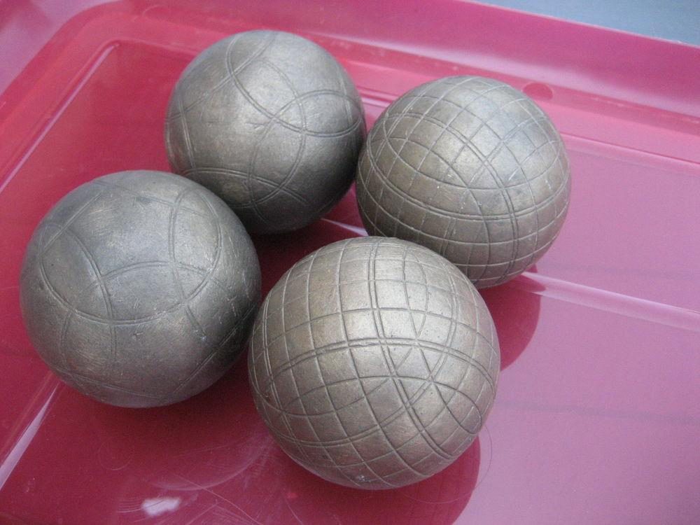 4 boules lyonnaise bon etat 30 Sorbier (03)
